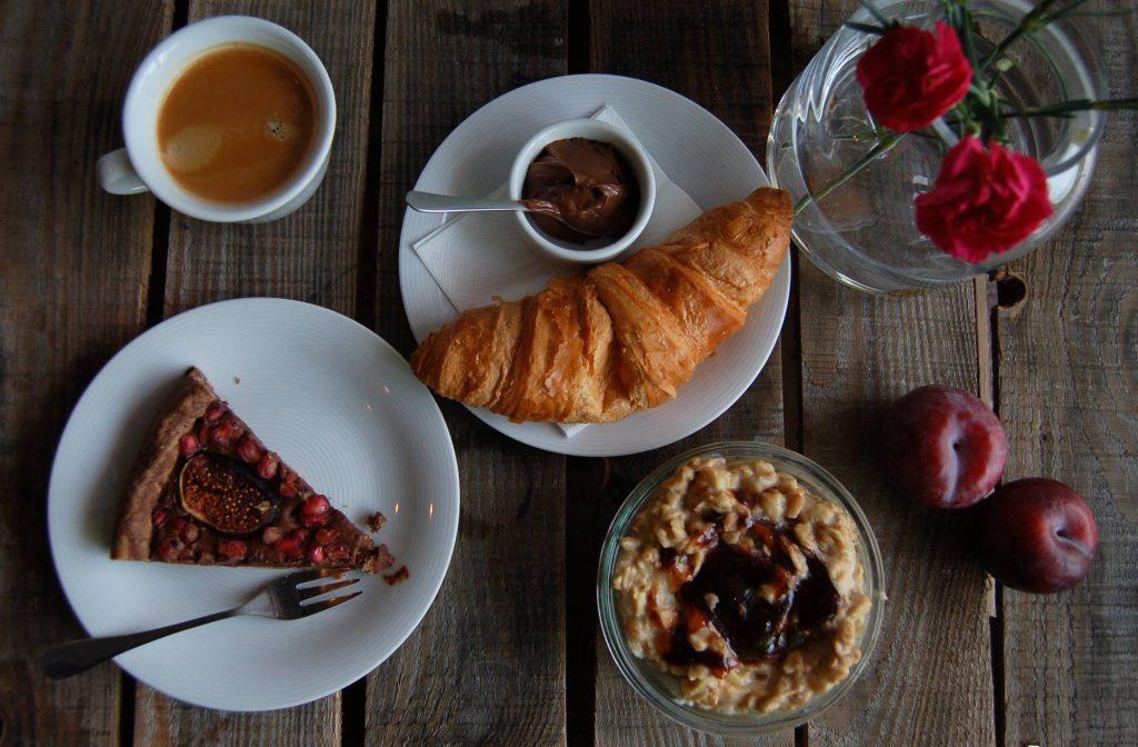 desery-w-kawiarni-metaforma-cafe-w-krakowie-1024x672