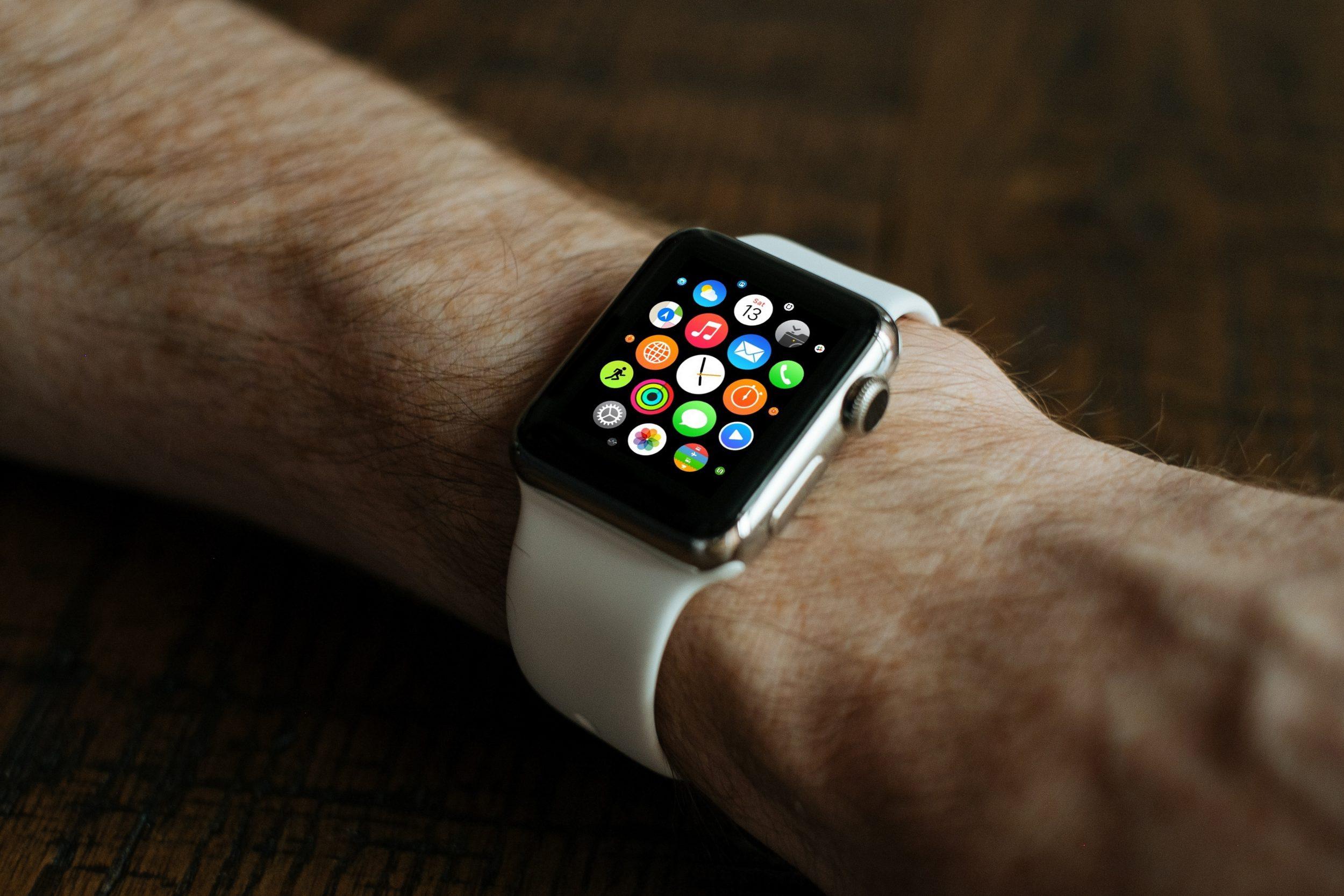 prezent-dla-chlopaka-na-swieta-smartwatch