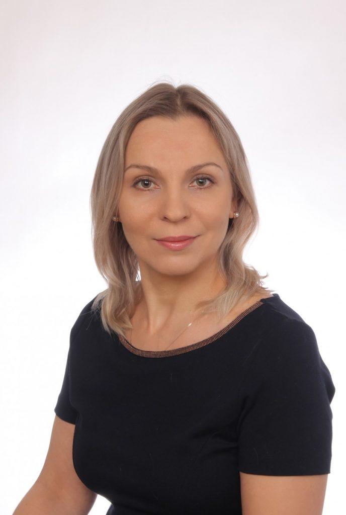 Olena-Brykova_front-left-688x1024